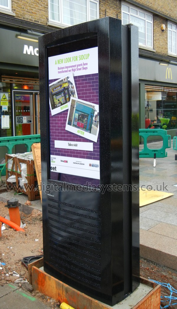 Sidcup High Street – Sunlight Readable Digital Signage
